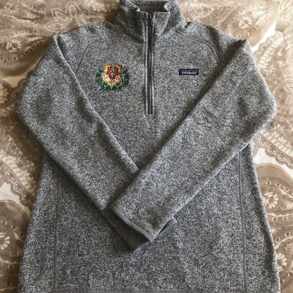 Chi Omega Crest Patagonia Pullover